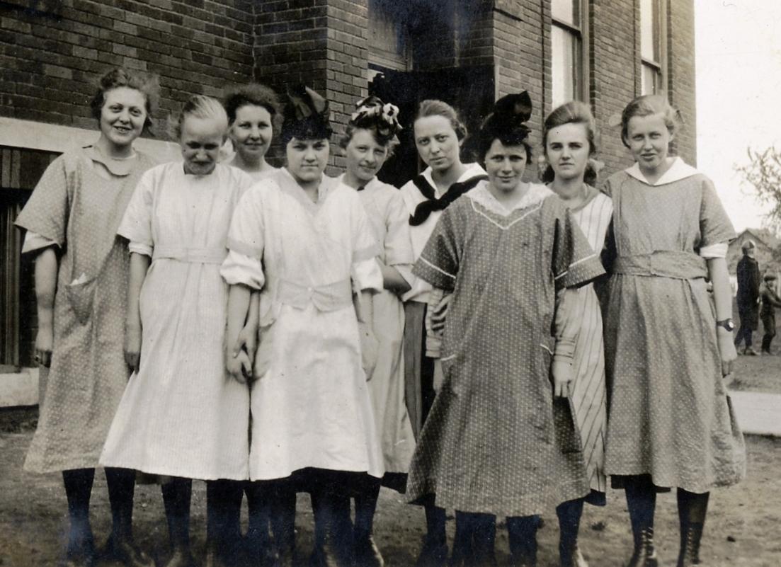 Albert City High School Science Class  ca  1918High School Science Class