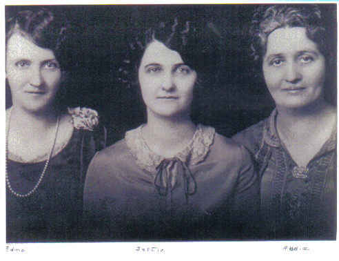 Edna, Jettie and Addie Daniels