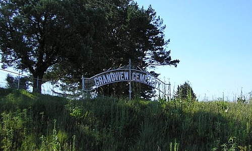 Entrance to Grand View Cemetery
