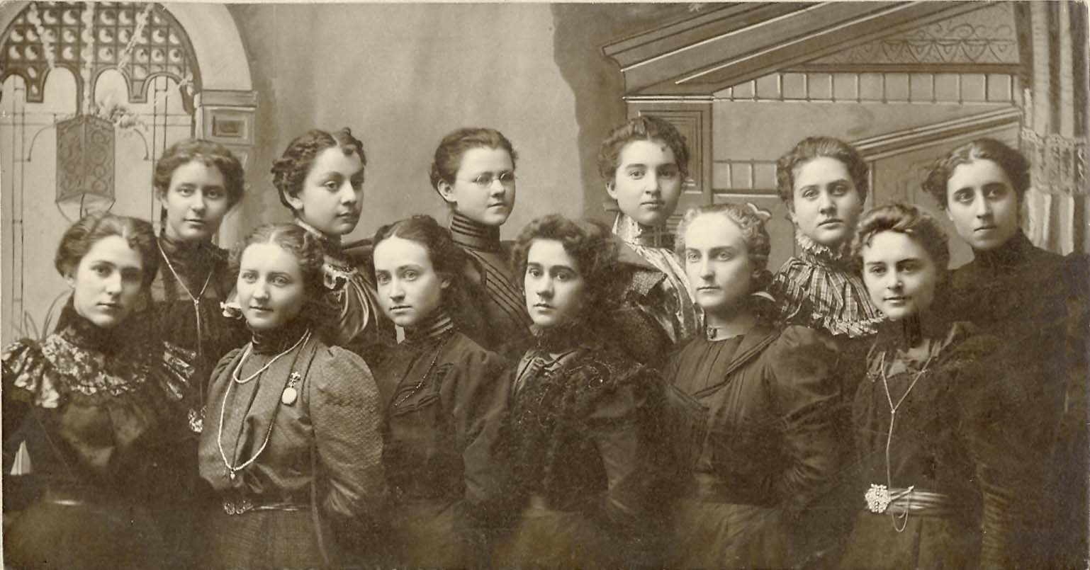Is this Group Photo from Victor High School 1898?