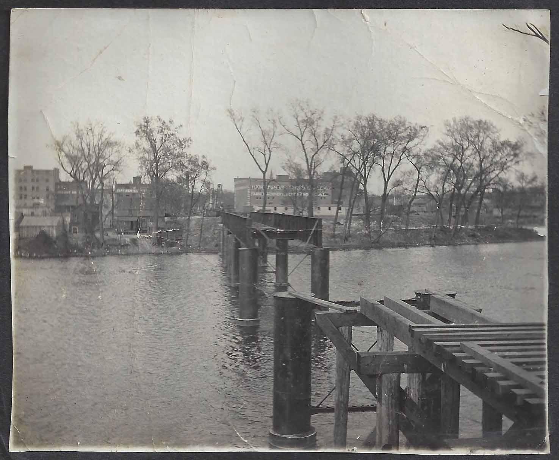 Rv Dealers In Iowa >> Linn County IAGenweb - Photos - Cedar Rapids Vintage Photos